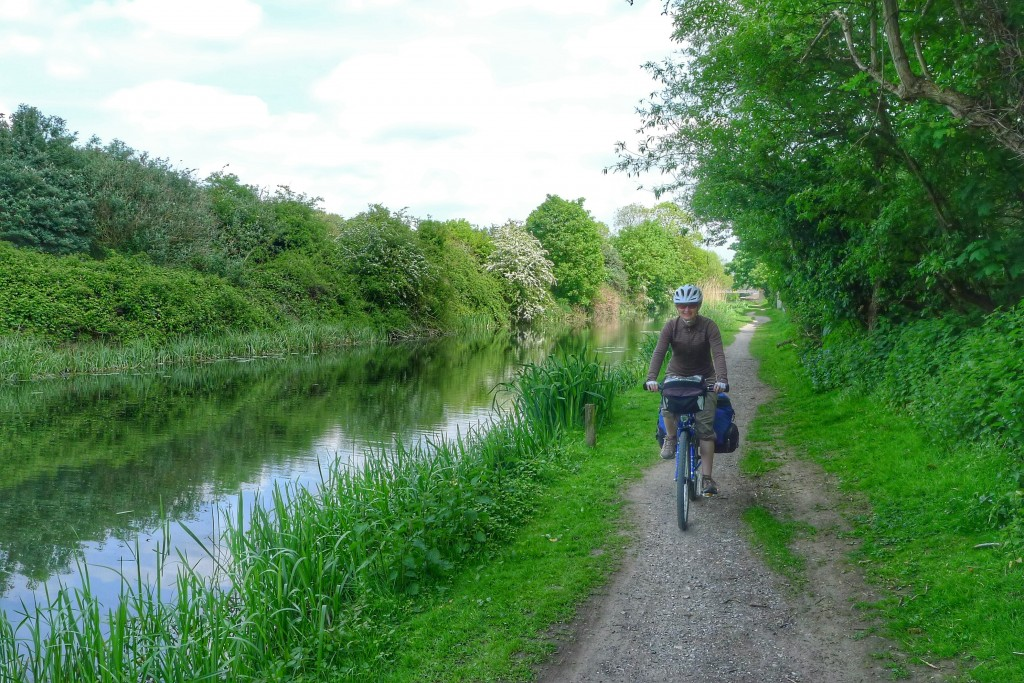 Carrie and I get our first taste of an English tow path.