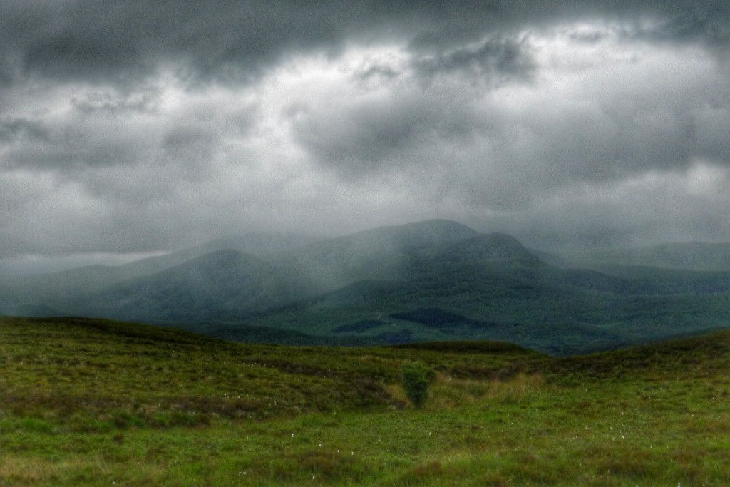 As we headed north back to Tongue on the A road, we watched some squalls give the mountains a wee dousing.