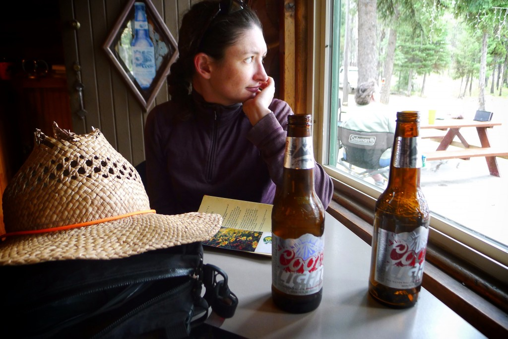 Carrie and I enjoy some beers in the North Shore Lodge restaurant.