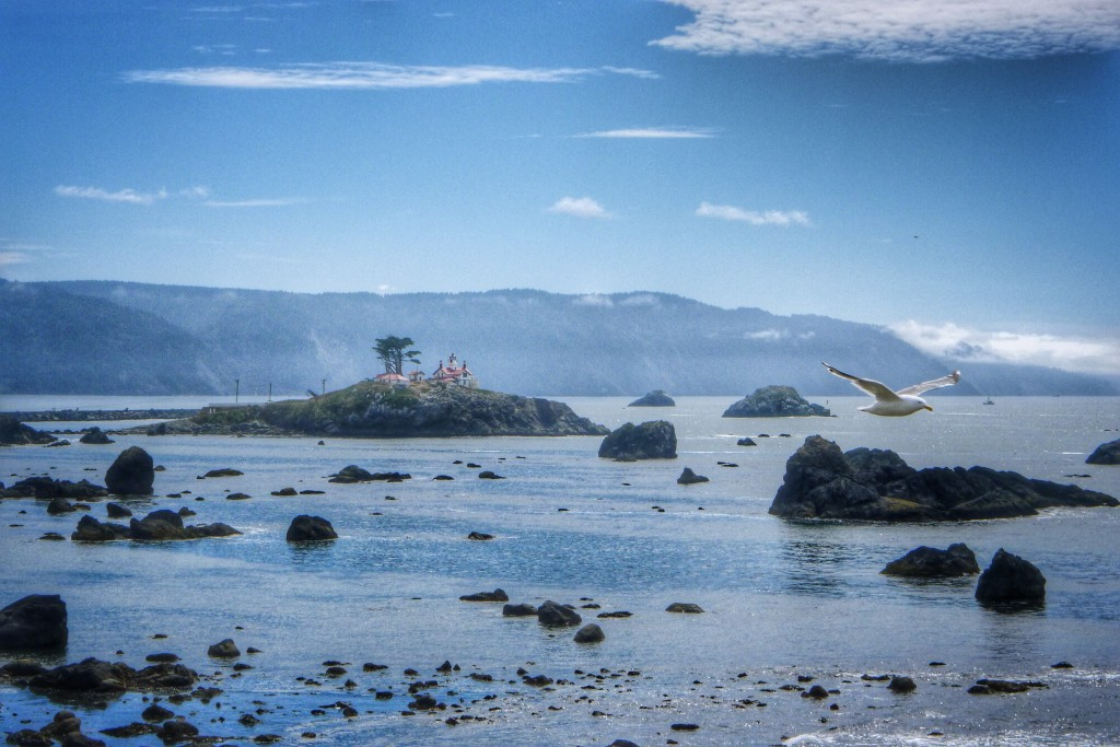 The Crescent City lighthouse sits atop a rock that is only accessible during low tide.
